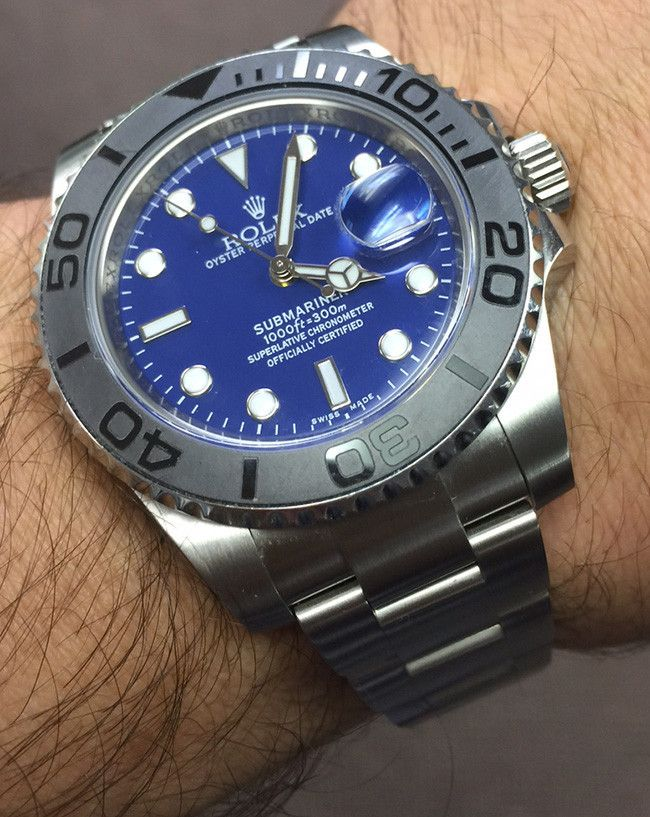 Rolex Submariner Steel, with elegant blue face, is an archetypal divers' watch that connects and epitomizes the luxury of Rolex with the adventure and thrill of underwater world. Rolex Submariner stee