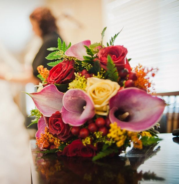 Fall wedding bouquet.  Small wedding at Rockwater Spa, Halfmoon Bay, BC, Canada.  http://lesfleursdefi.com/