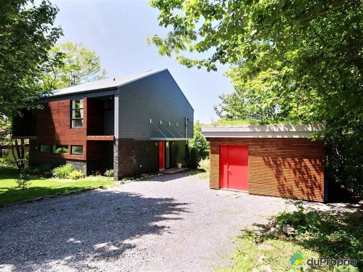 Magnifique maison contemporaine conçue par un architecte, complètement rénovée et au goût du jour. Parfaite...
