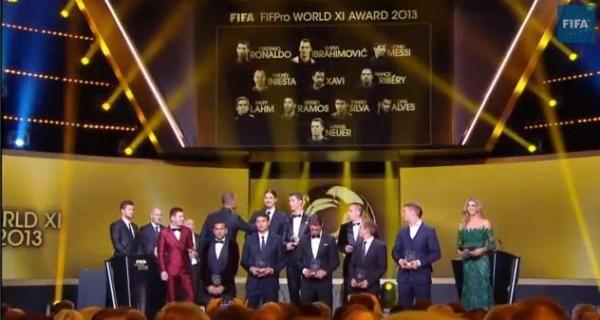 #DEPORTES Con Messi: este es el equipo ideal de la FIFA 2013  Durante la gala del Balón de Oro se dio a conocer a los futbolistas más votados. ver mas> http://jutiapaenlinea.com/con-messi-este-es-el-equipo-ideal-de-la-fifa-2013/