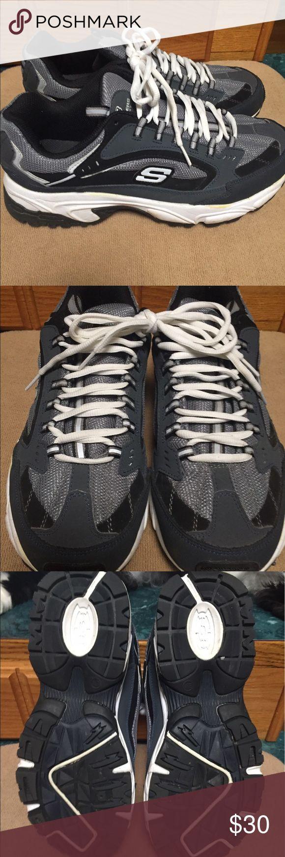 Men's Sketchers 10 1/2 Never Worn Never Worn Men's Sketchers Tennis Shoes Very Nice !!! Skechers Shoes Sneakers