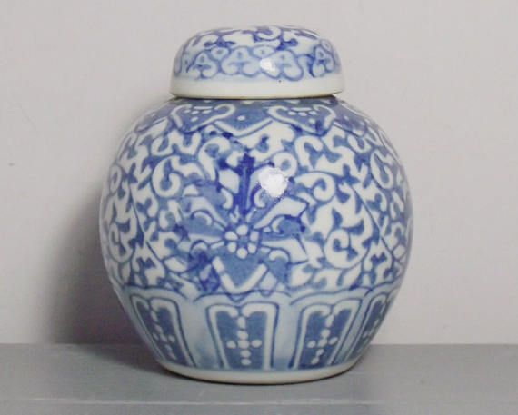 Decorating With Blue And White China: 17 Best Ideas About Chinese Decorations On Pinterest