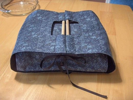 Casserole carrier with wooden handles