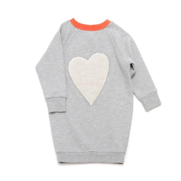 Little Man Happy #belongtoyoubowldress_grijze jurk sweatdress sweater dress hart pluche bon bon bleu