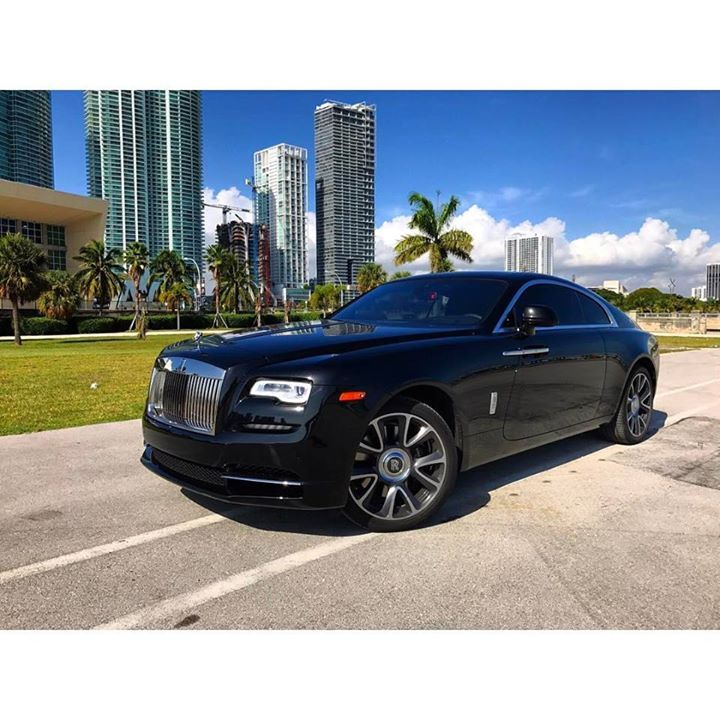 Brand New Rolls Royce Wraith available for rent at @paramount_luxury_rentals Visit http://ift.tt/1MLkKFp or call 1-305-924-3737 to book this car!