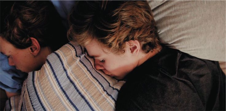 I love how Isak takes care of Even, always making sure he's okay and feeling better when his depression kicks in. I love how the show made a character with mental illness. Even is bipolar but he is one of the most amazing characters. He has a  beautiful mind.