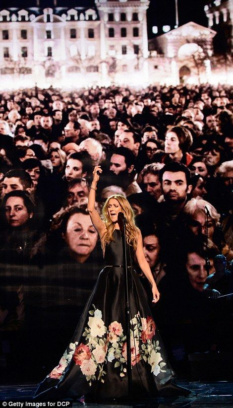 Celine Dion brings American Music Awards 2015 to tears with Paris tribute | Daily Mail Online