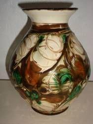 FROM: www.Klitgaarden.net Kähler (Herman A. Kähler) vase. H: 20 cm D: 14 cm from about 1920s. Signed HAK. #kahler #ceramics #pottery #hak #dansk #keramik #vase #danish