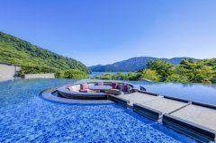 芦ノ湖の湖畔に箱根芦ノ湖 はなをりっていう素敵な旅館がオープンしたんですって 芦ノ湖を眺めながら入れる温泉や新しいブッフェスタイルのレストランもあるみたい 水盤テラスっていう露天風呂があってまるで芦ノ湖と一体になったみたいで素敵(ω) いつか行ってみたいなぁ tags[神奈川県]