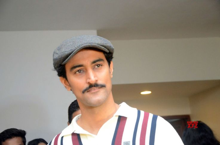 Kunal Kapoor co-developing four scripts - Social News XYZ