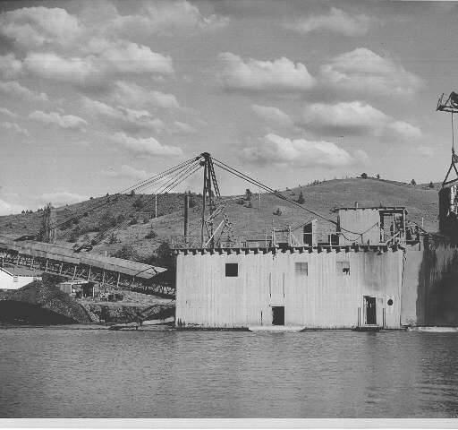 Historic Gold Dredges : Gold dredge near john day oregon ca historic
