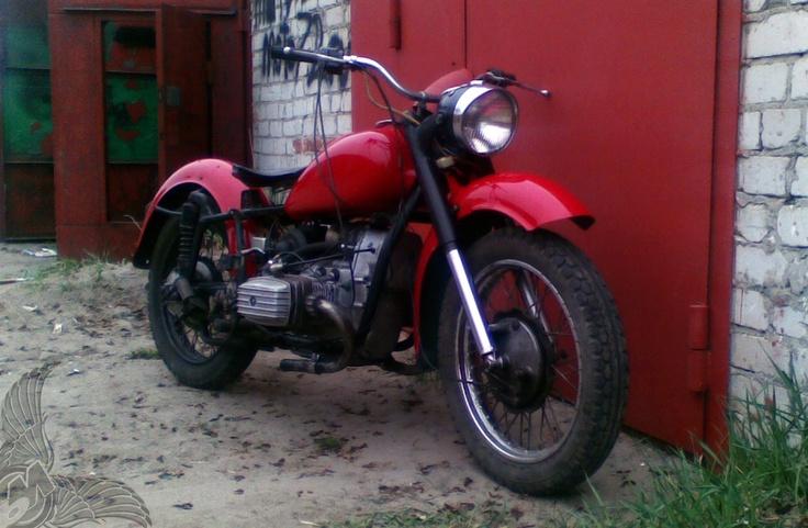 maxim's custom red dnepr mt9 bobber