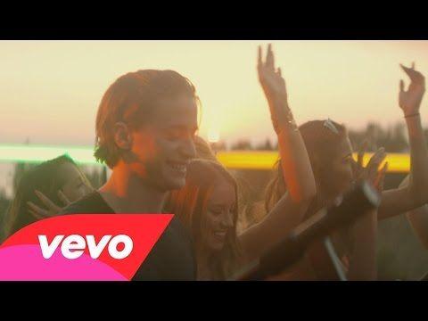 "Kygo Lights Up The World With ""Firestone"" Music Video Premiere | http://lifeofarockstar.com/new_music/top_music_videos/2015_videos/files/kygo_lights_up_the_world_with_firestone_music_video_premiere.php"