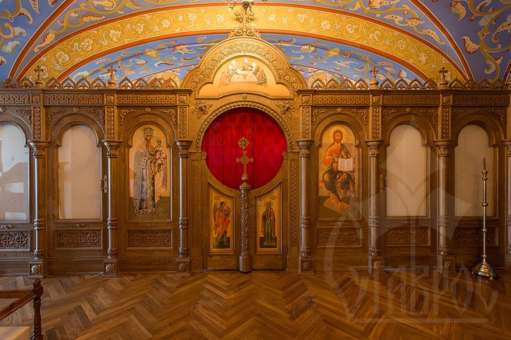 """В мае 2014 года, совместно с мастерами компании """"Тектор"""" (http://www.tektor-spb.ru), мы работали над созданием иконостаса для православного храма в городе Стрельне.  #иконостас #храм #стрельна"""