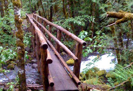Walking Inn to Inn McKenzie River Oregon