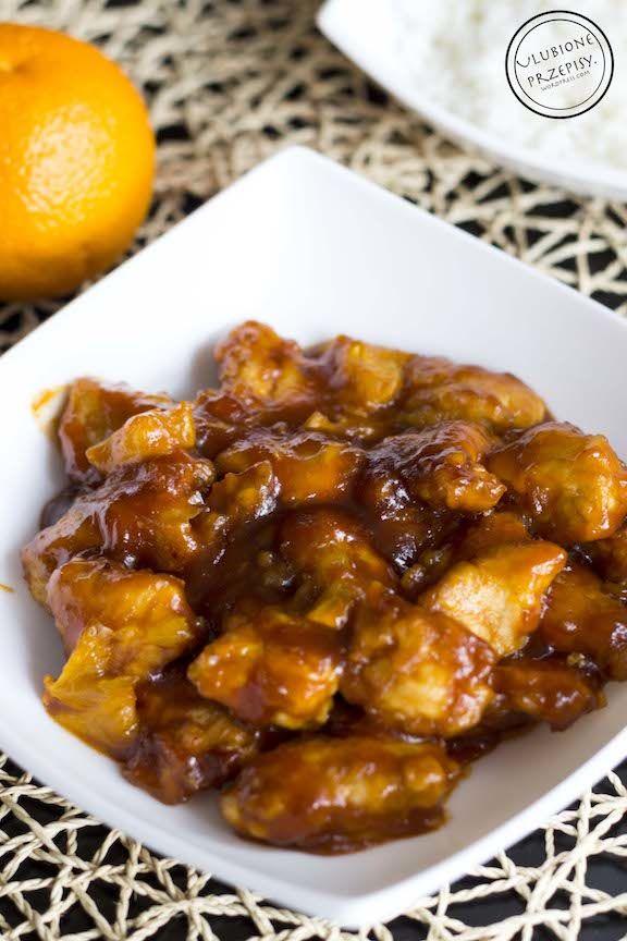Share Tweet Pin Mail Mimo, że nie przepadam za kuchnią azjatycką, stwierdzam, że kurczak w pomarańczach jest pyszny :) Bardzo aromatyczny, słodko – kwaśny, ...