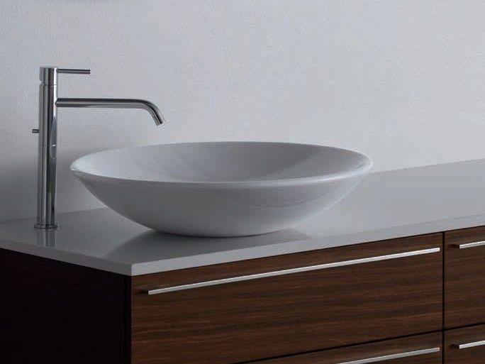 CERCHIO (new C)by RIFRA Lavabo da appoggio rotondo in ceramica bianca 46 x 46 x 14 cm.(new) 589 -883(bianco mat) euro