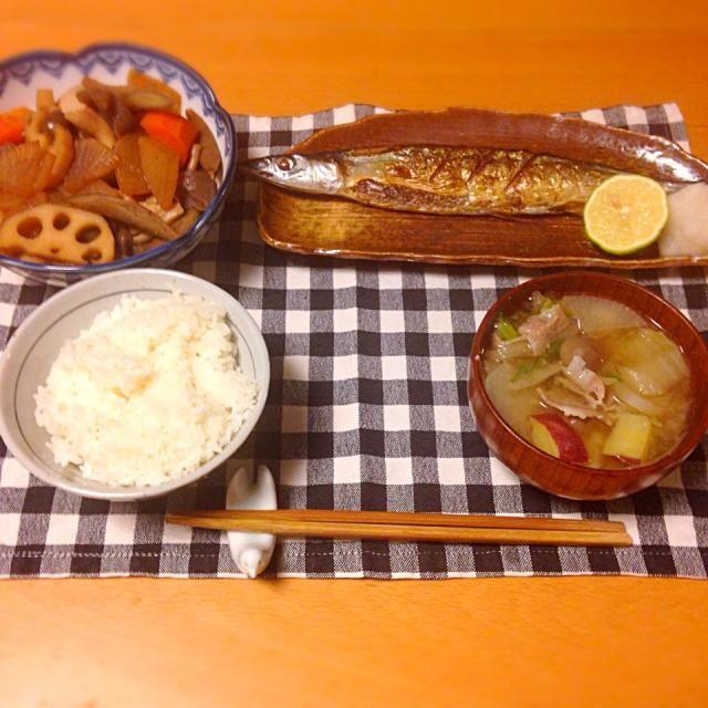 筑前煮、秋刀魚の塩焼き、豚汁。いただきます。 - 8件のもぐもぐ - 今日の晩御飯 by yujimrmt