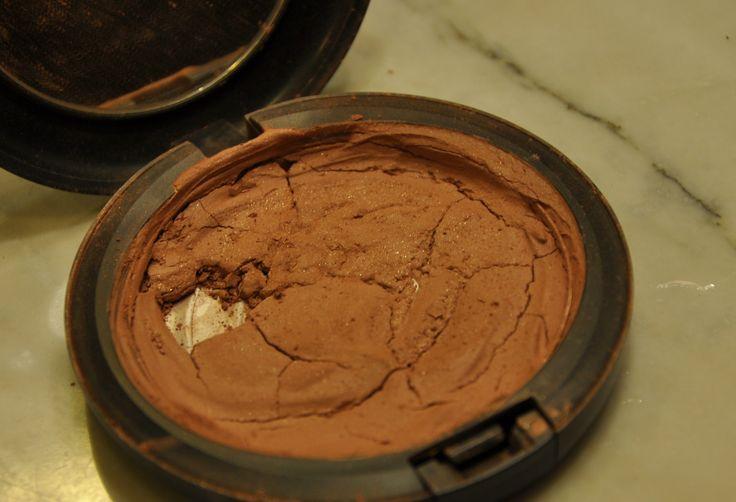 Como recuperar pó quebrado - passo a passo de como consertar maquiagem quebrada no blog de moda - Maquiagem quebrada tem conserto!