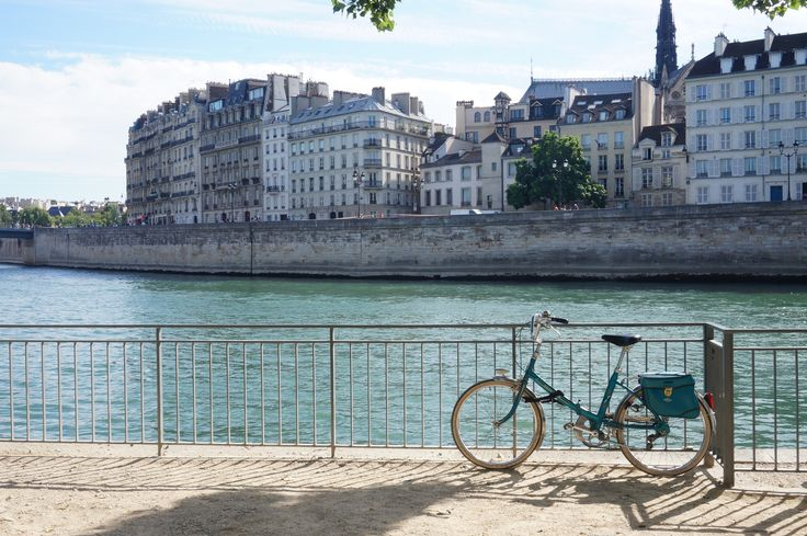 Paris à l'heure d'été   Lauralou