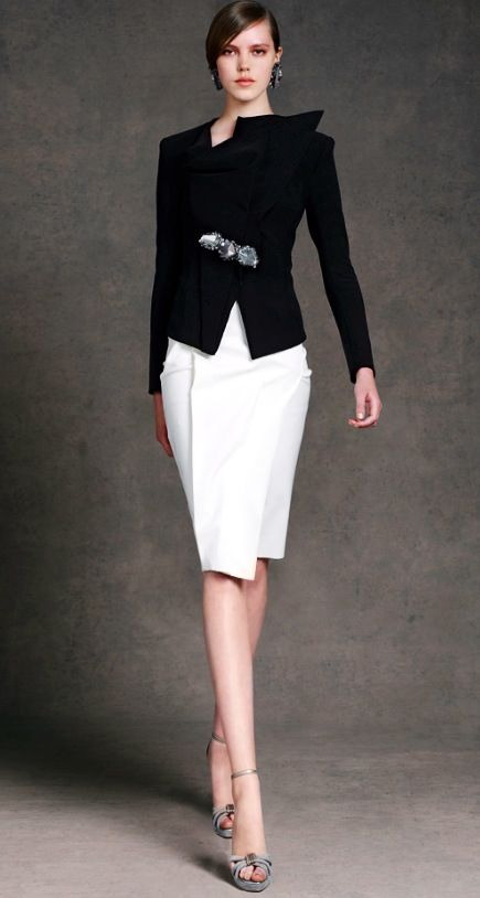 Donna Karan resort 2013  http://www.style.com/fashionshows/complete/slideshow/2013RST-DKARAN/#21