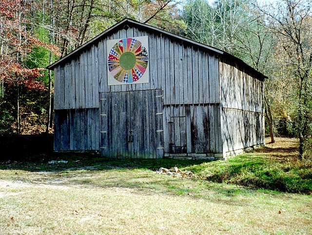 Quilt Patterns On Barns In Ky : 79 best images about KENTUCKY TOBACCO (BLAST FROM THE PAST) on Pinterest Watercolor print, Old ...