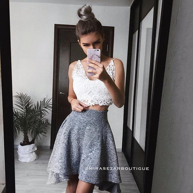 """Хорошо быть девочкой👩🏼, можно носить юбочки☺️ демонстрируя окружающим свои прекрасные ножки 😎😻 Стоимость юбочки 3000₽ Юбка будет круто смотреться и с рубашкой и со свитером и с любым топом, как на очаровательной @lilyabraun  #вналичииmirasezarboutigue ✔Магазин""""АФИМОЛЛ Сити"""" @mirasezarafimoll ✔Магазин """"Принц Плаза"""" @mirasezar.princeplaza ✔Санкт-Петербург @mirasezarpiter ✔Магазины MiraSezar представлены в городах: Алма-Ата @mirasezar_alma_ata  Анапа @mirasezar_anapa  Астана…"""