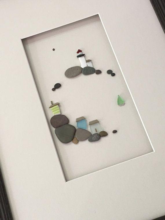 12 par 16 art de côté mer faite avec des cailloux mer mer de verre et de poterie par sharon nowlan