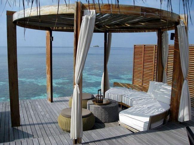 1. Maldives2. Thassos3. Tahiti4. Sicily5. Acapulco6. Lefkada7. Thailand8. Seychelles9. Huahine10. Bora Bora