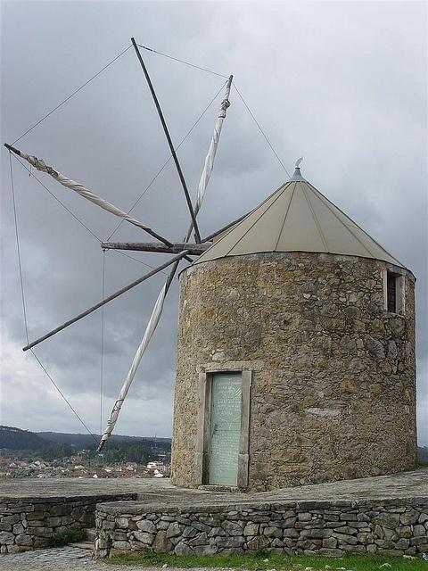 Moinho de vento (Avanteira – Pelmá), Alvaiázere by CCDR - Centro / Região Centro de Portugal, via Flickr
