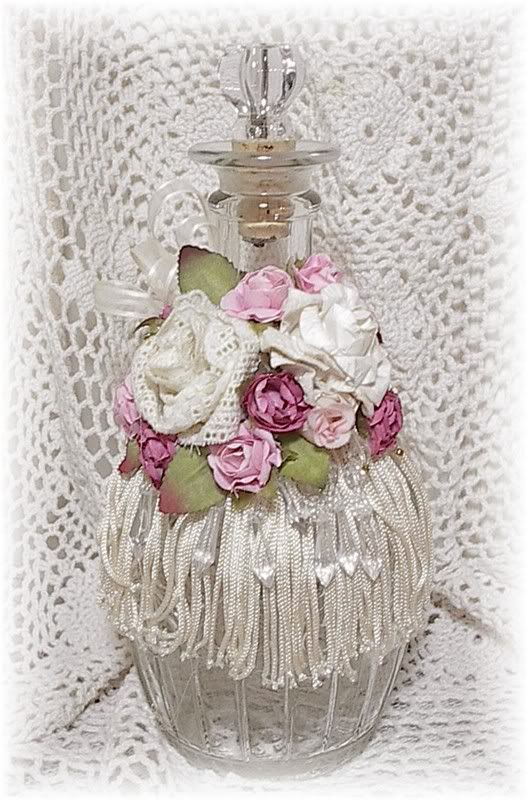 Romantic vintage inspired hand decorated bottle - Bano shabby chic ...