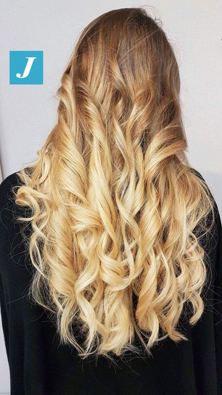 Capelli lunghi, sani, biondi, con sfumature inimitabili? Con il Degradé Joelle puoi! #cdj #degradejoelle #tagliopuntearia #degradé #igers #musthave #hair #hairstyle #haircolour #longhair #ootd #hairfashion #madeinitaly #wellastudionyc