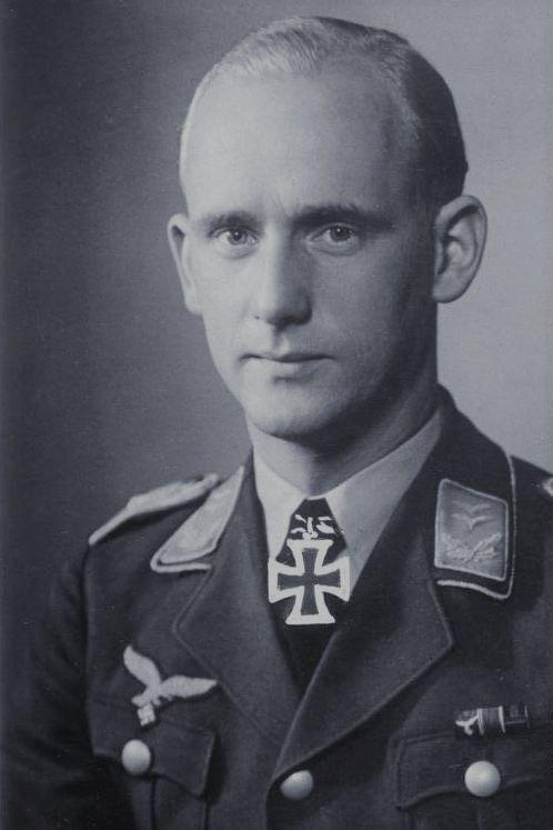 Oberleutnant Herbert Schmidt (1912-1944), Chef 1./Fallschirmjäger Regiment 1, Ritterkreuz 24.05.1940