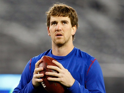 Eli Manning, Quarterback of the New York Giants. Salary: 11,9 Mio per year.