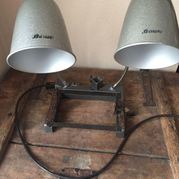 Alte doppelte Werkstattlampe Marke Bauer – KUNSTHOF