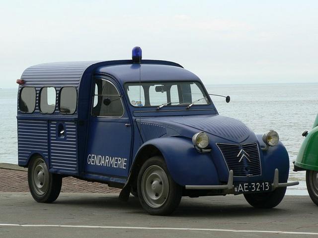 Citroën 2CV Fourgonette gendarmerie