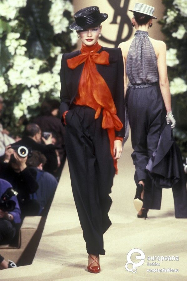 FALL DER BLUSE. Yves Saint Laurent, Spring-Summer 1999, Couture