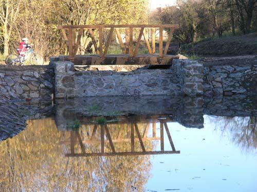 realizace dřevěnych prvků do Sítenského údolí v Kladně
