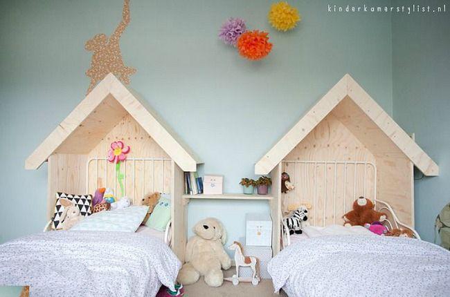 Cabeceros casita en habitación compartida