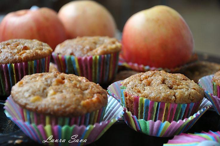 Muffins cu mere si fulgi de ovaz