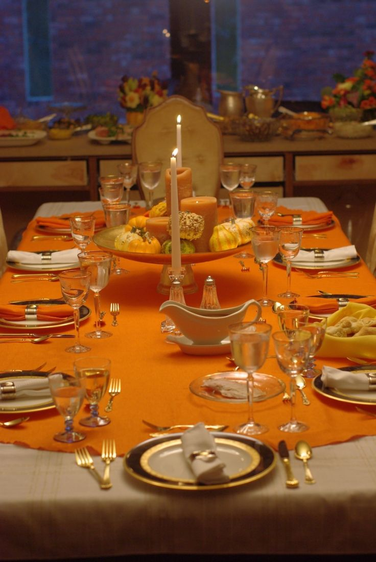 Dining room an elegant holiday dinner party details dining room -  Decoration Contemporary Luxurious Thanksgiving Dining Table Design With Excellent Combination Colour Table Clothes Also Fruits Centrepiece And Candle
