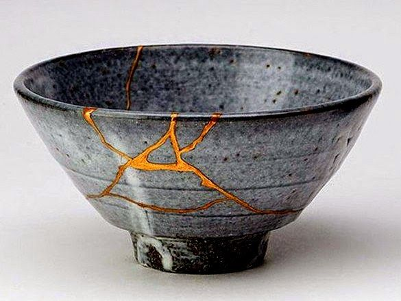 Risultati immagini per broken pottery fixed with gold