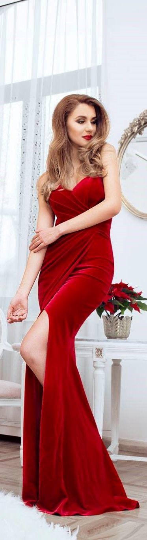 CRISTALLINI #EveningDress #RedDress #Velvet #Luxury #GlamourStyle