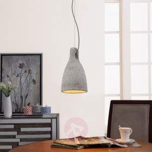 If you would like to select a different material for a pendant light to those that appear well-known, you can, for example, resort to concrete, as that is definitely not commonplace. The pendant light Lenna is made from this material