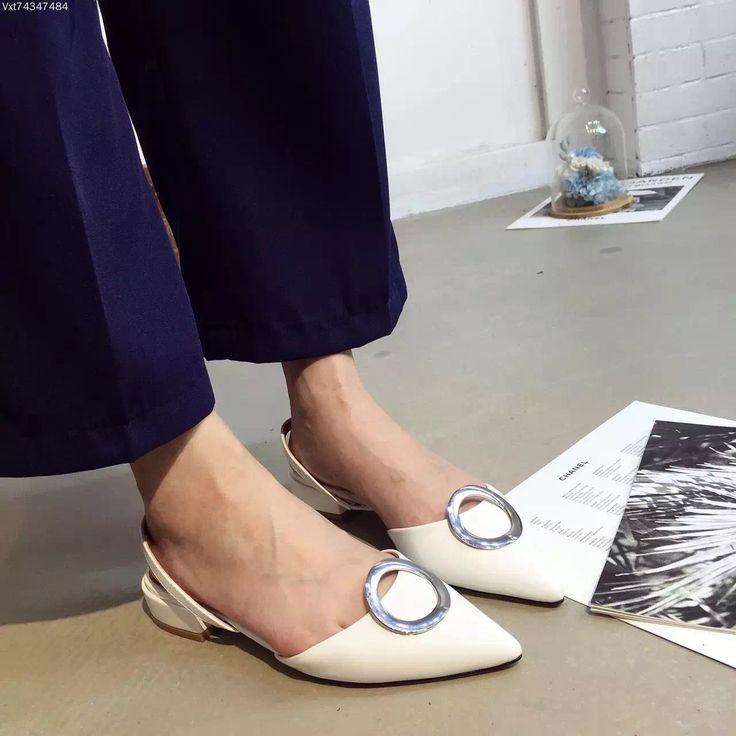 Ucuz Sivri Burun Kalın Düşük Topuk Düz ayakkabı 2.5 cm Moda Mavi Beyaz Yaz Ayakkabı Balerin Flats, Satın Kalite kadın daireler doğrudan Çin Tedarikçilerden:   2016 Black Silver Glitter Flat Shoes Chaussure Comfort Femme Ballet Shoes Pointed Chaussures Femme Mariage Sequin Flat