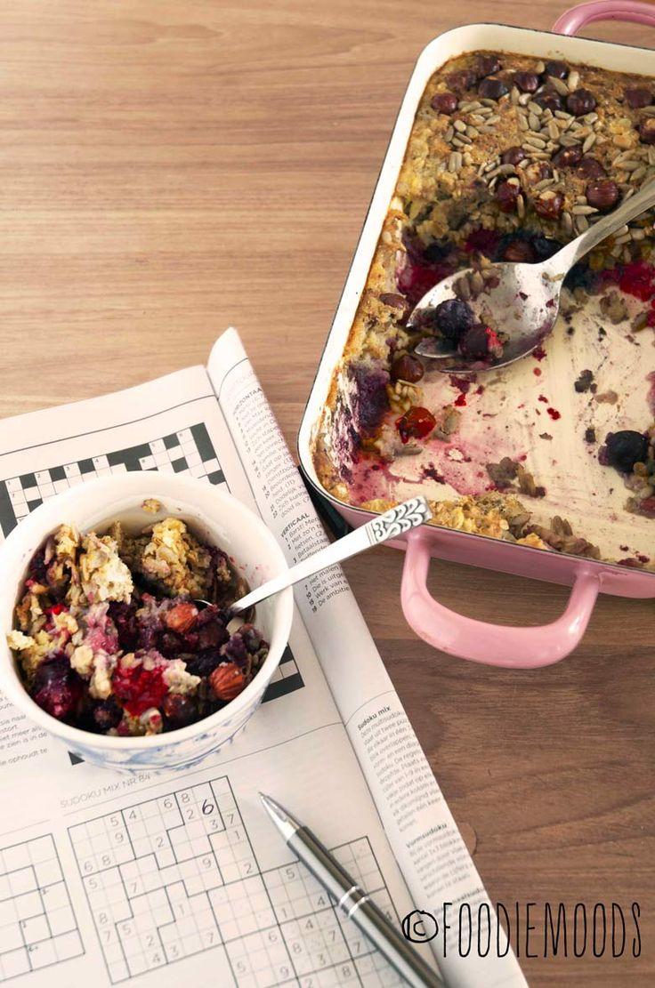 Gebakken havermout met rabarber en rood fruit -  miss foodie