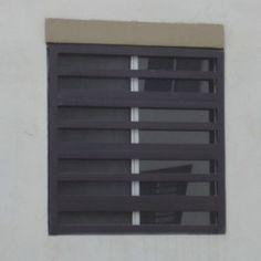 Imagen de diseño de verjas de fierro de ventana contemporánea horizontal