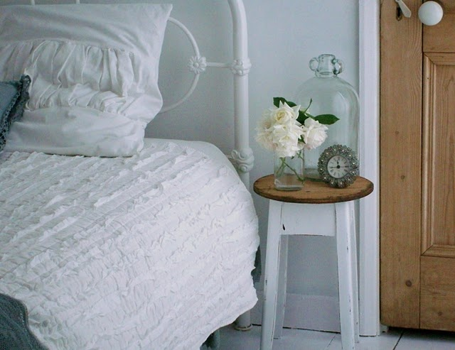 Bedside Table idea - simple and little
