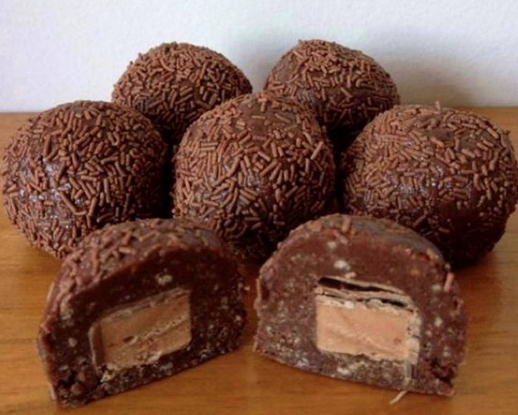 These fantastic NO Bake Mars Bars Balls will be top of your list to whip up. You'll love the No Bake Mars Bar Slice as well!