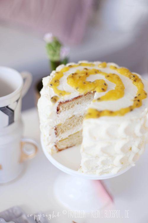Fräulein Klein : mal exotisch: Mango-Passionsfrucht-Torte mit Kokoscreme